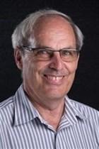 Dr Hennie Ras