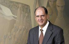 Dr Danie Cronjé, chairman of the Dagbreek Trust, gold Pendoring sponsor.