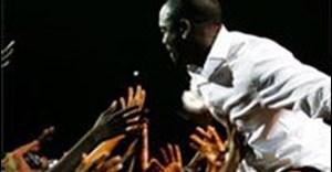Akon at the MAMAs 2009