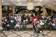 Approximately 800 excited moms embarking on their 1.6km journey around Canal Walk