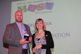 Mike Luscombe, CEO of The SpaceStation accepts the MOST Award for Best Digital Sales and Marketing Team.  FLTR: Mike Luscombe (CEO of The SpaceStation), Maria Phillips (CEO of Mindshare South Africa)