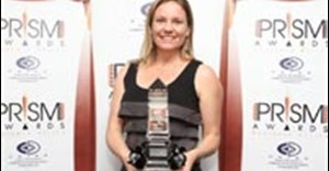 Kerry Seymour of Splash PR & Media Consultants accepts the Gold Award for the 'Vote for Table Mountain' campaign. Pic: Zoom Photography.