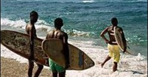 Surfing is used by the three main characters of Otelo Burning as a way to escape the violence in their township of Lamontville in Kwazulu-Natal.