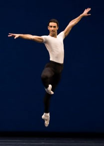 International ballet stars add sparkle to Raymonda