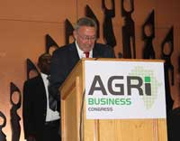 Zambian vice president, Dr Guy Scott, addresses the AgriBusiness Congress.