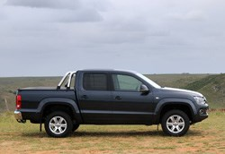 Because the auto version has permanent 4-wheel drive it makes it highly capable in seriously challenging terrain.