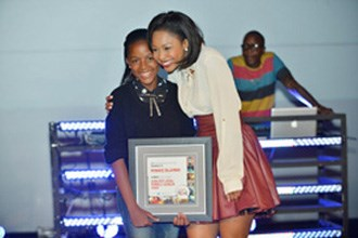 Coolest Local Female Screen Star 2013, Minnie Dlamini, with HDI Youth Marketeer