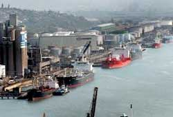 South Africa's ports are among the most expensive in the world and now TNPA wants a further tariff increase. Image:
