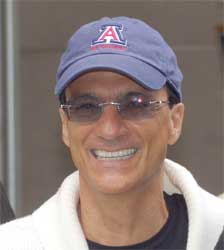 Jimmy Iovine is a music producer and he says that its the music producers who really know what is going on in the music industry. However, he's not saying anything about the Apple deal or its plans. Image: Wikipedia