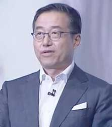 Samsung's D J Lee says the new Tizen operating system provides faster web browsing than the previous Android operating system. Image: