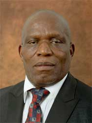 Minister of Agriculture, Forestry and Fisheries, Senzeni Zokwana will chair a workshop on food production in SADC countries alongside New Zealand High Commissioner Richard Mann. Image: GCIS