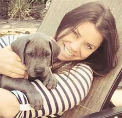 Newly-wed Brittany Maynard, 29, is not planning her own death after she was diagnosed with brain cancer. She has moved to Oregon that has a right-to-die law and plans to die on 1 November, before having to endure immense pain and the loss of dignity. Image: