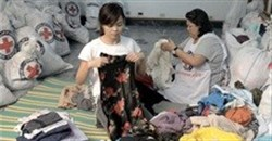 Aid Couture for typhoon survivors