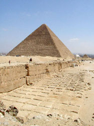 Egypt is famous for its pyramids, and infamous for repression of the media. (Image: Courtesy Jon Bodsworth, via Wikimedia Commons)