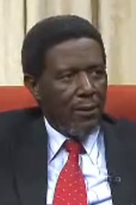 Professor Bongani Khumalo's resignation from the SABC board: Is meddling by Muthambi a contributing reason for his departure? (Image extracted from YouTube)