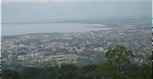 Burundi rights groups protest jailing of radio chief