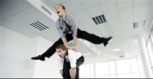 Flexible strategies: adapt quickly to succeed