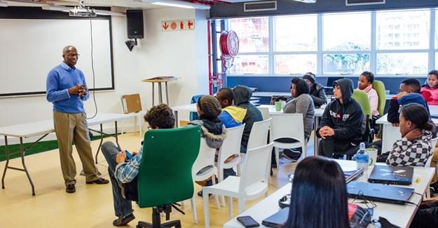 Workshop17 - Julius Akinyemi in the W17 space