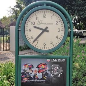 Golf trad clock