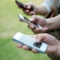 Mobile news surges, newspapers fall further: US poll