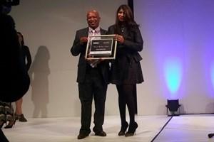 Enterprises University of Pretoria bestows award to dedicated educator at EduWeek Awards 2016