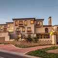 Freehold home in Waterkloof Ridge Surrounds