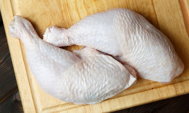 Who is profiting from chicken dumping?