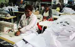 Kamers/Makers supports Uzwelo Bags initiative