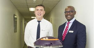 Dr Justin Gavanescu, general manager of Netcare Milpark Hospital, and Dr Skhumbuzo Ngozwana, president and CEO of Kiara Health, distributors of the Xenex