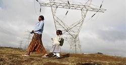 High voltage electrical pylons on the outskirts of Kenya's capital Nairobi. Photo: Reuters/Thomas Mukoya