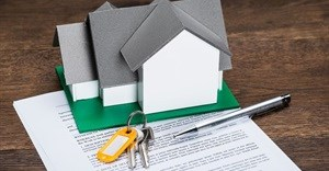 Can a lessee withhold rental if denied full occupation of leased premises?