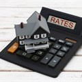 Is it wise to take out a 100% bond while interest rates are low?