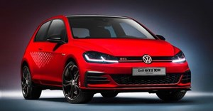 Among the options for the Golf GTI TCR are 19-inch rims and a honeycomb trim for the side panels