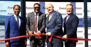 From left to right: Nuradin Osman (AGCO Vice President and General Manager Africa), HE Emmanuel Mwamba (High Commissioner in South Africa - Republic of Zambia), Martin Richenhagen (AGCO, Chairman, President, CEO) and Gary Collar (AGCO Snr Vice President and General Manager, Asia-Pacific and Africa)