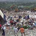 Payatas dumpsite, Metro Manila, Philippines. Image by Kounos, CC BY-SA 3.0,