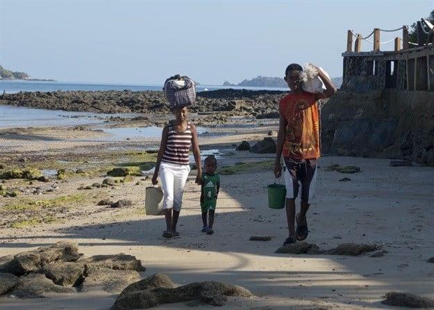 "Do people in Nosey Be Madagascar benefit equally from ecotourism income and training opportunities? Flickr.com/tatogra: FZFhSW-aDp9XW-MB3gUz-u5m43d-uJm43d-5D6Trd-Ldt1td-6CJmwd-4p1Gtd-Y3aKdA-Z6LJid-SgN2qd-4x1Gtd-m23avd-TgJmwd-trxbpd-qVxwAA-2y5vEW-dxz5Ec-o1V43d-M79jed-1MDfkd-o95avd-Rdxbpd-BMCxpz-VezJdA-ZP7hLW-md2XeW-PY8vEW-j5D5Ec-NsA5Ec-9DZWGc-bc8jed-xVpVmd-YcqYGc-bsqYGc-kLymgd-dHz5Ec-Jg8EmN-F8SZfk-2ynHHV-fJm2Pc-qrFJid-MGt4vd-ug3avd-wspYGc-LUC5Ec-6S4Gtd-exrVmd-X3oJcA-tsilotohp/ni/15408884422/60N@47862724/sotohp/moc.rkcilf.www//:sptthbRev('brev-d53144ca-c423-405c-bba9-db2876c8380d', '>a/\""FZFhSW-aDp9XW-MB3gUz-u5m43d-uJm43d-5D6Trd-Ldt1td-6CJmwd-4p1Gtd-Y3aKdA-Z6LJid-SgN2qd-4x1Gtd-m23avd-TgJmwd-trxbpd-qVxwAA-2y5vEW-dxz5Ec-o1V43d-M79jed-1MDfkd-o95avd-Rdxbpd-BMCxpz-VezJdA-ZP7hLW-md2XeW-PY8vEW-j5D5Ec-NsA5Ec-9DZWGc-bc8jed-xVpVmd-YcqYGc-bsqYGc-kLymgd-dHz5Ec-Jg8EmN-F8SZfk-2ynHHV-fJm2Pc-qrFJid-MGt4vd-ug3avd-wspYGc-LUC5Ec-6S4Gtd-exrVmd-X3oJcA-tsilotohp/ni/15408884422/60N;46#&47862724/sotohp/moc.rkcilf.www//:sptth:otliam""=ferh ""knalb_""=tegrat a"