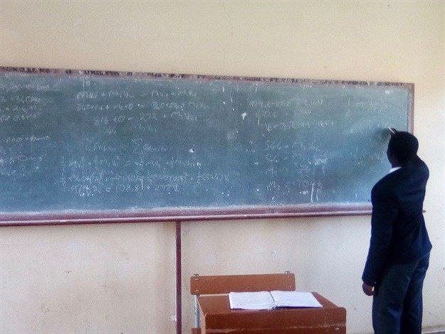 Eastern Cape education department is struggling to fill vacancies for maths teachers. Photo: Chris Gilili