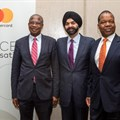 [Left to Right] Professor Mthuli Ncube, Zimbabwe's Minister of Finance and Economic Development; Ajay Banga, President and CEO, Mastercard and Dr John Mangudya, Governor of the Reserve Bank of Zimbabwe.