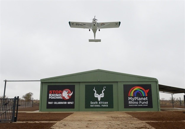 SANParks buys Foxbat light aircraft to combat rhino poaching in KNP