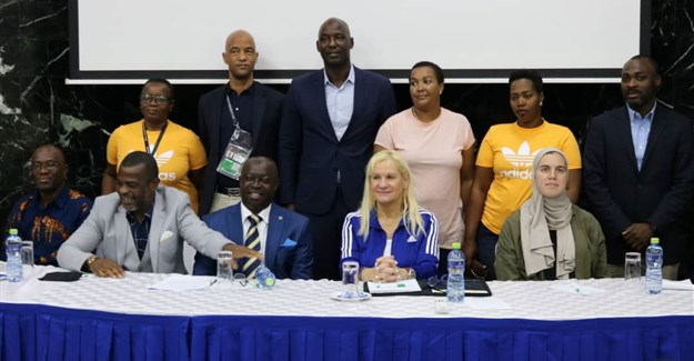 Group photo of the resource personalities at the sports journalists seminar.
