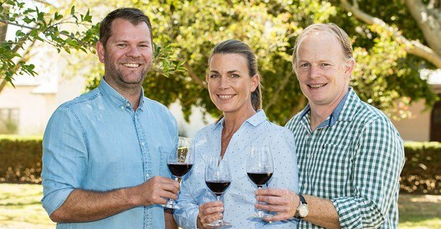Cape Winemakers Guild inducts two new members