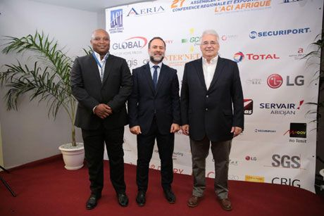 L-R: Mzi Deliwe – Deputy CEO PMG; Joseph Lebbos – Sales Manager West Africa Global Out of Home Media; Sylvain Rouch – GM Global Out of Home Media