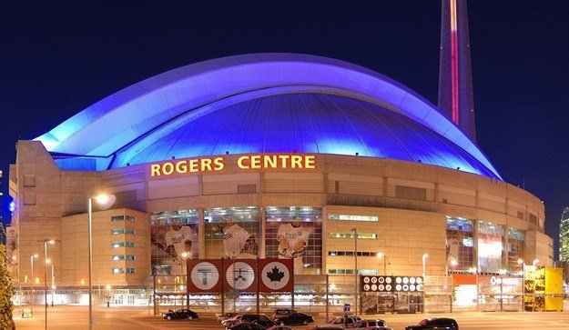 Rogers Centre in Toronto, Canada. By Taxiarchos228, CC BY-SA 3.0,