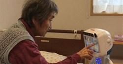 Dinsow robot for the elderly. Photo: Bangkok Post
