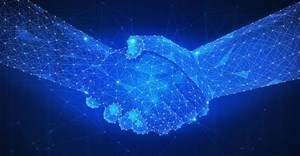 Smart contracts vs traditional contracts: Same but different