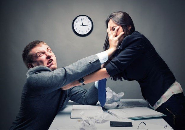 9 awkward workplace scenarios and how to deal with them