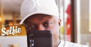 Dwomoh in selfie mode.