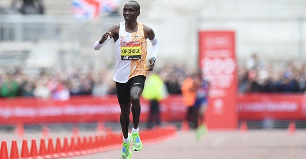 Kenya's Eliud Kipchoge on his way to wining the London Marathon in April 2019. EPA-EFE/Facundo Arrizabalaga