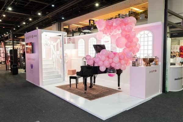 Sta Sof Fro expo stand at beauty revolution expo