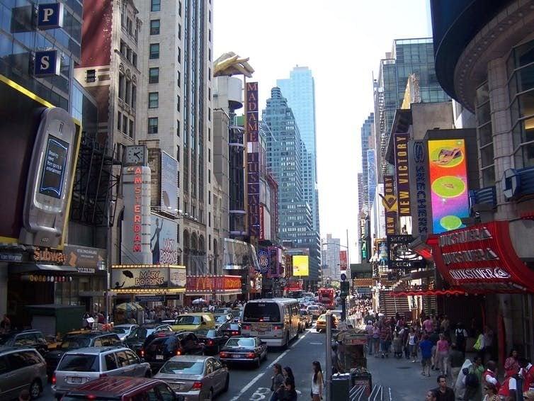 Manhattan traffic speed slows. Pxhere